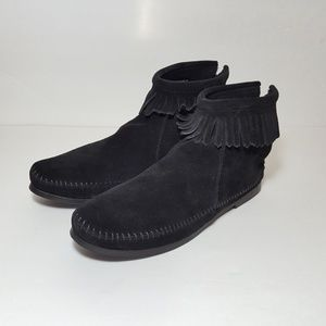 Minnetonka 1-layer fringe ankle boots black sz 9.5